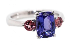 18ct white Gold, 2.50ct Tanzanite & 2 Pink Tourmalines equaling .40ct.