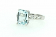 18ct white gold handmade Aquamarine dress ring