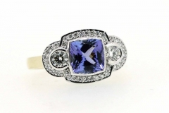 18ct yellow & white gold Tanzanite & Diamond dress ring