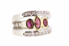 18CT two tone ruby and diamond split band ring