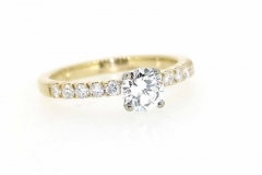 18ct gold handmade Engagement ring