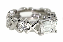 Platinum Dress ring with a total Diamond content of 2.50ct