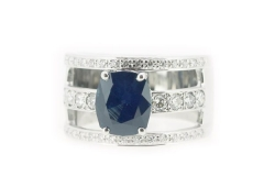 18ct White Gold Sapphire & Diamond three diamond set band ring