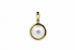 9ct gold mabe pearl & diamond pendant