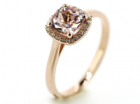 rose gold ring with morganite