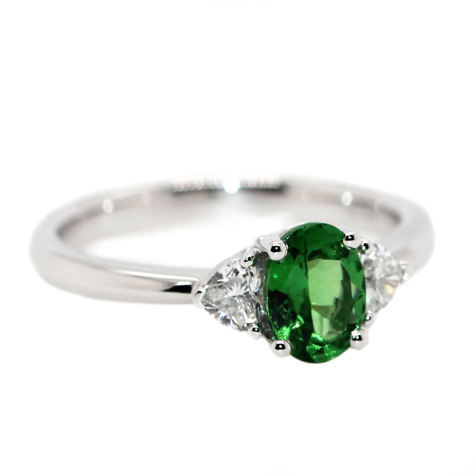 18ct White Gold, .82ct Tsavorite & .29ct of Diamonds.