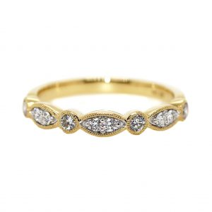 18ct Yellow Gold & a total Diamond weight of .40ct.