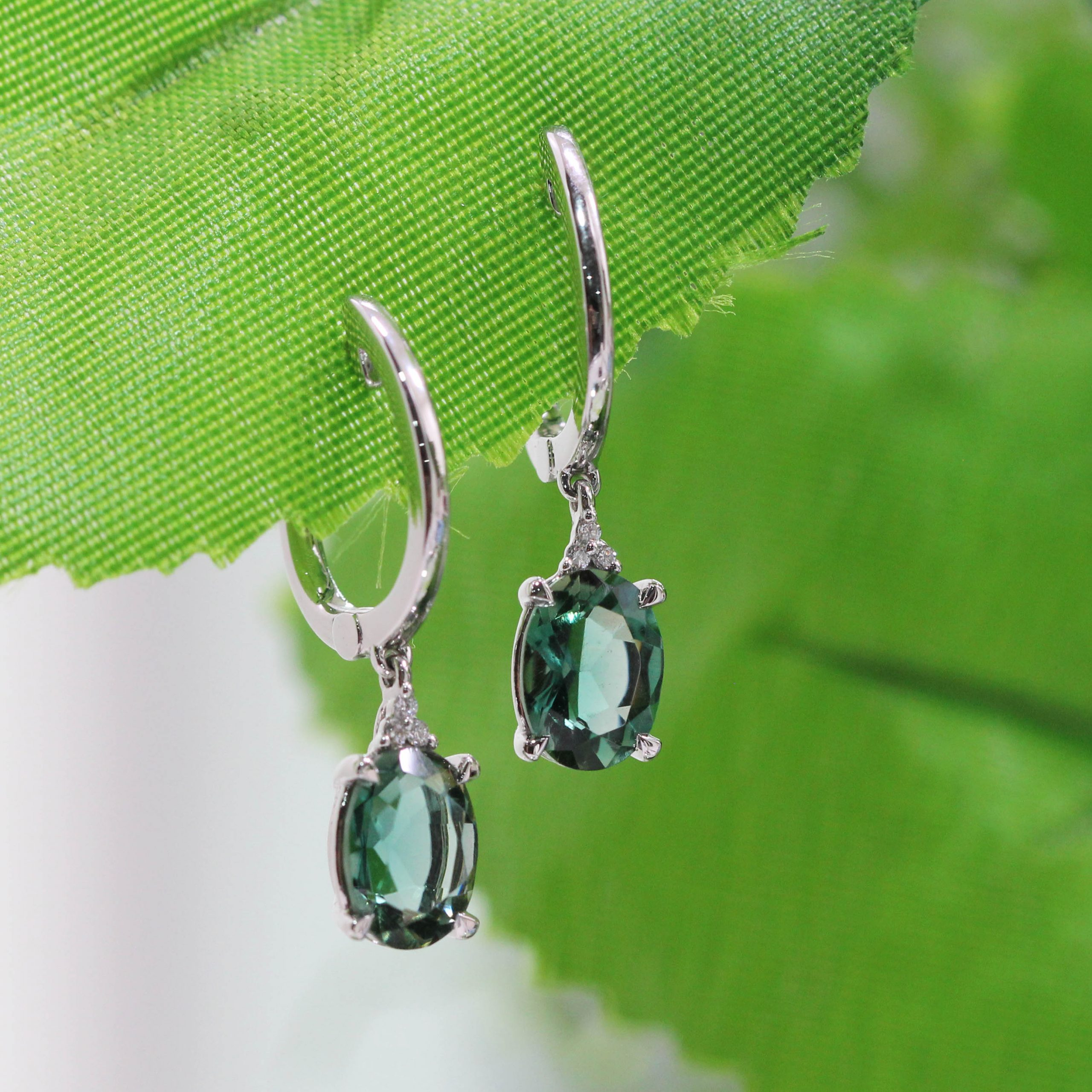 clayfield jewellery emerald earrings